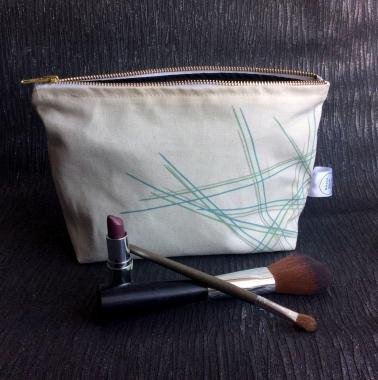 Asymmetric Scatter Make Up Bag 10